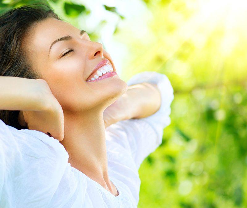 La primavera, un buen momento para realizarse implantes dentales
