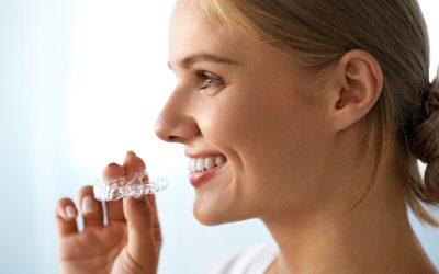 Adiós a los correctores metálicos ¡Bienvenida ortodoncia invisible!